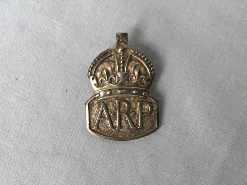 HM SILVER ARP BADGE