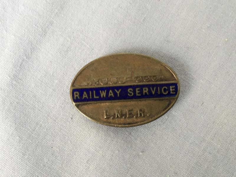 LNER RAILWAY SERVICE BADGE